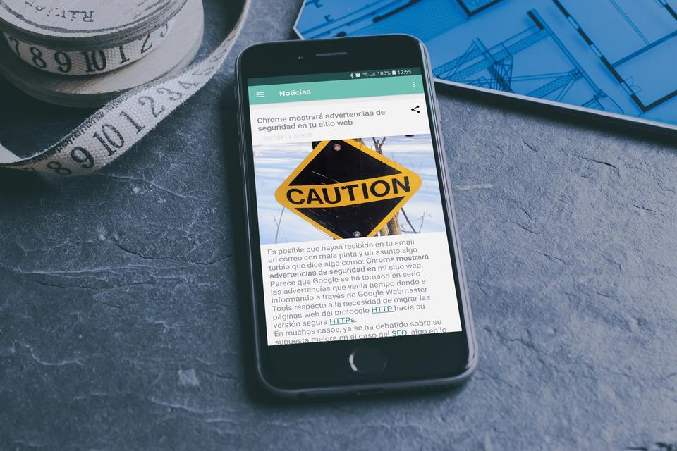 Pantalla de noticias nativa con toda la lista de noticias recogidas de tu página web con opción de compartir la noticia a tus contactos y redes sociales.